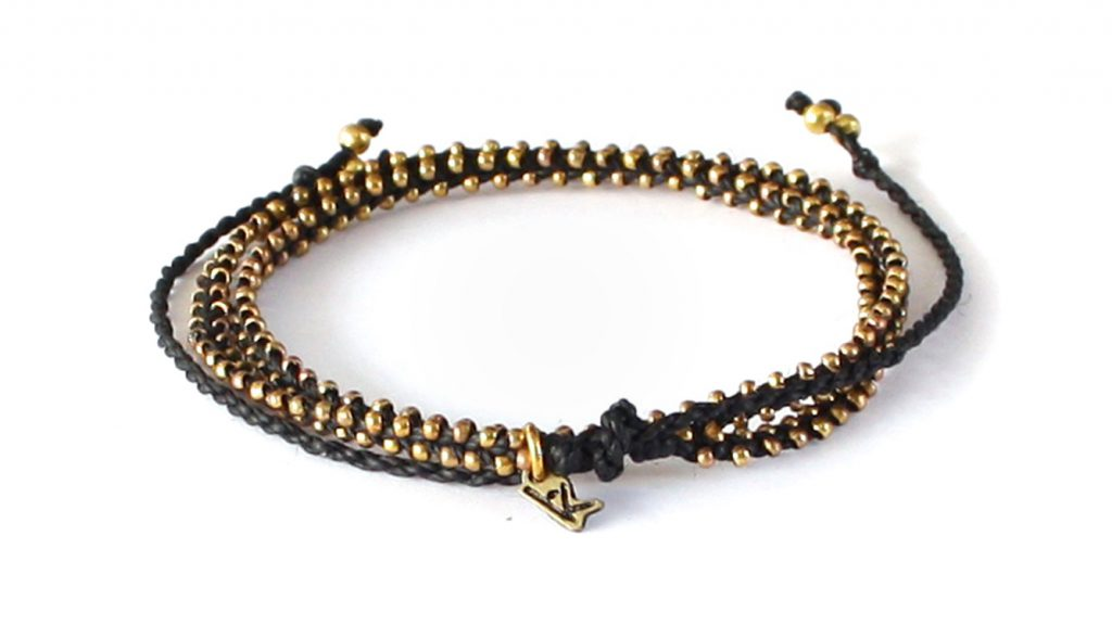 Wakami-Life-is-What-You-Make-of-It-wraparmband-kort-halsband-svart-guld-WA0295-34