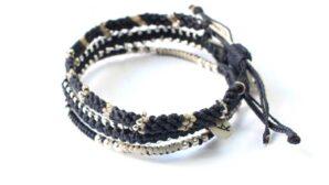 Wakami-armband i blått, vitt och silver: Circle of Life - fairtrade fashion