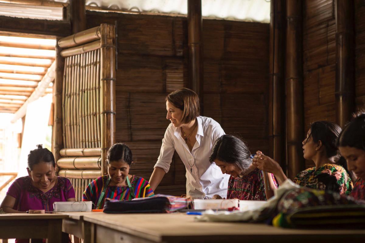 María Pacheco besöker en Wakami-leverantör
