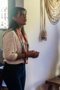 Marlas dotter Rocío invigningstalar i Antigua