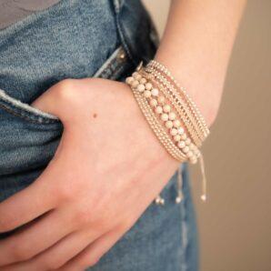 Wakami Winter Bliss, 3 matchande armband i beige och silver